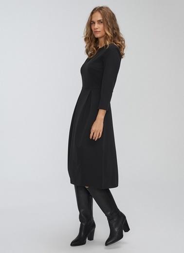 People By Fabrika Pili Detaylı Truvakar Kollu Elbise Siyah